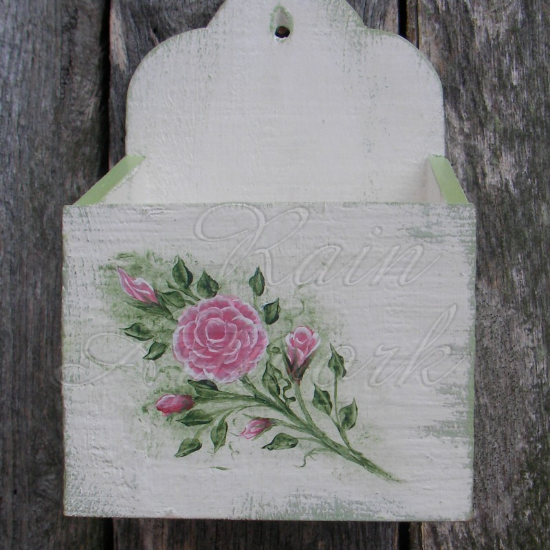 primitive wall box white cottage chic roses shabby green paint. Black Bedroom Furniture Sets. Home Design Ideas
