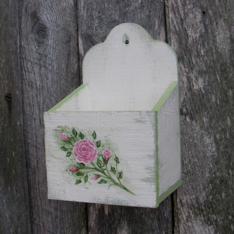 primitive wall box white cottage chic roses shabby green paint shabby chic cottage decorating rustic chic cottage decor